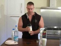Shake onctueux à l'eau ou au lait avec caséine micellaire PEAK